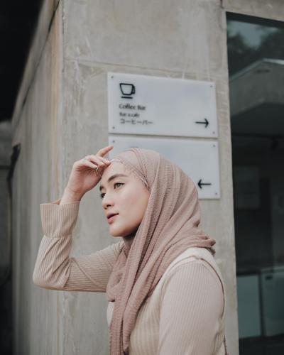 www.instagram.com/ashryrrabani