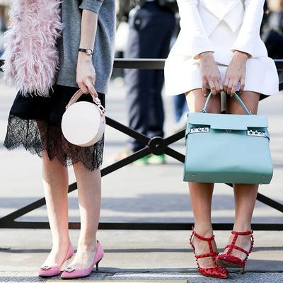 Warna Tas dan Sepatu Wanita Tak Harus Matchy