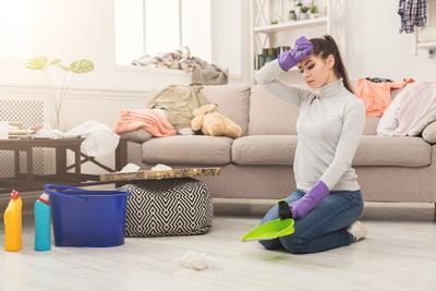 membersihkan rumah keluarga sehat