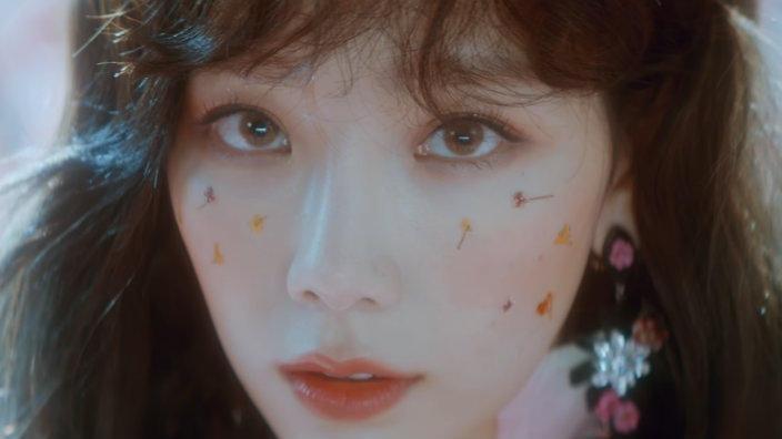 taeyeon-make-me-love-you-mv-2.jpg